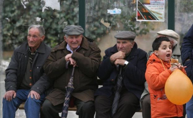 Elders sitting in Falcone e Borsellino square in Corleone, a town in Sicily, Italy, on December 22, 2007. (Photo: Marcelo Patternostro)