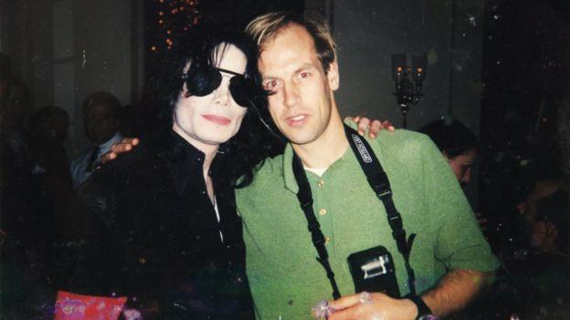 Graham MacIndoe con Michael Jackson