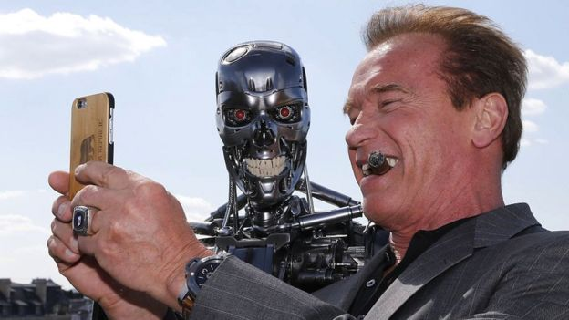 Arnold Schwarzenegger and The Terminator prop