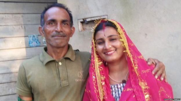ராகேஷ் குமார், அனிதா ராணி (இடமிருந்து வலமாக)