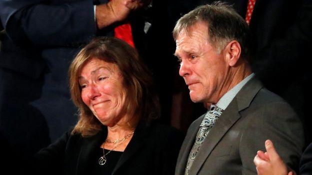Los padres de Otoo Warmbier, Cindy y Fred,