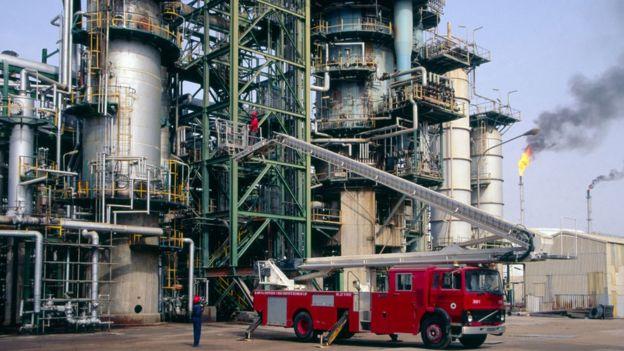 Une raffinerie de pétrole au Nigeria