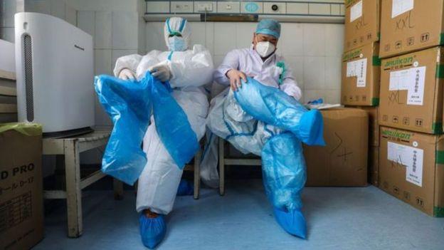 Médicos e coronavírus