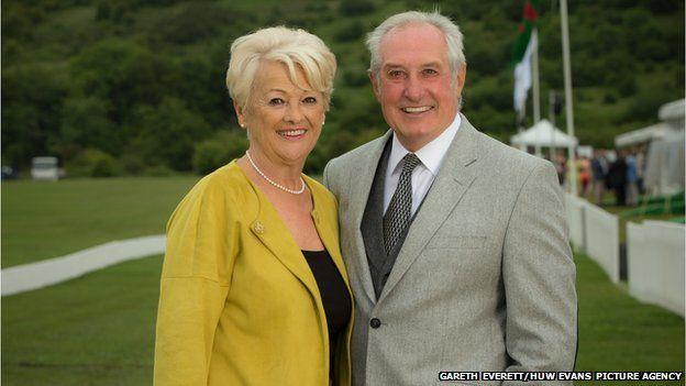 Gareth a'i wraig Maureen. Gareth and wife Maureen