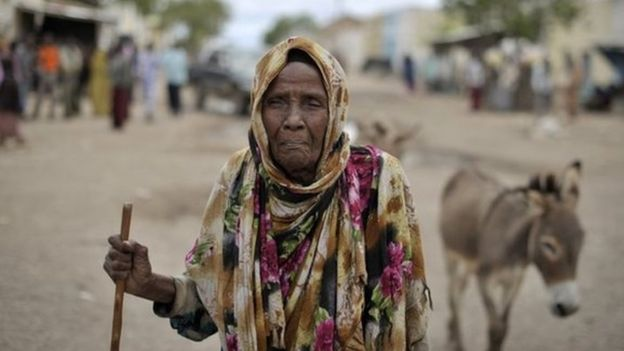 Uma mulher da Somália em maio de 2014, dois meses antes de a cidade ter sido liberada de extremistas