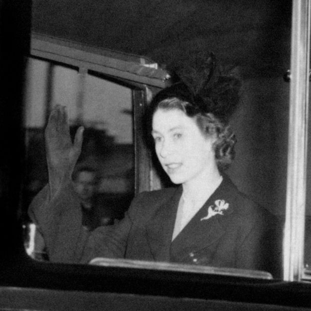 b9cc13fa Queen Elizabeth II, 63 years in 63 pictures - BBC News