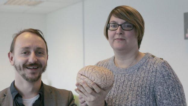 دکتر جان تالر و دکتر جودی دیویس تامپسون از افرادی که برای شناسایی چهرهها مشکل دارند خواسته است پا پیش بگذارند