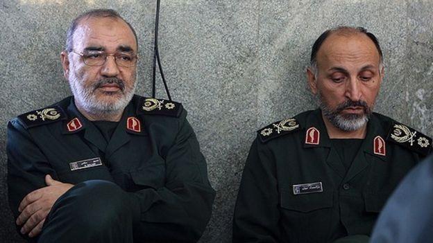 محمد حجازی در کنار حسین سلامی، فرمانده کل سپاه پاسداران. این عکس پیش از اعطای درجه سرلشکری به حسین سلامی، در آبان ۱۳۹۱ گرفته شده است.