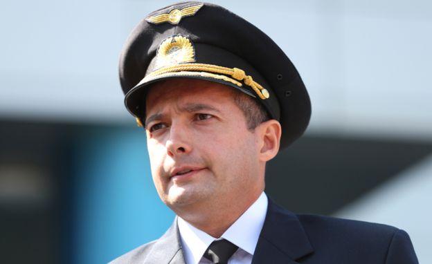 Capitán Damir Yusupov