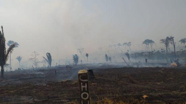 Queimada na zona rural de Machadinho D'Oeste