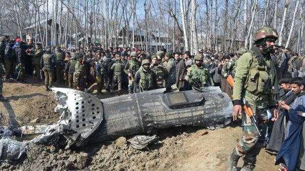 27 февраля неподалеку от Шринагара разбилский вертолет ВВС Индии