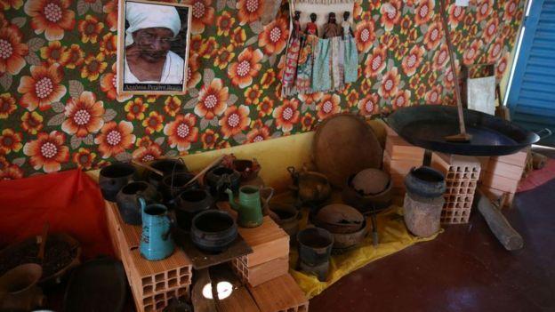 Itens que pertenceram aos primeiros moradores do Quilombo Mesquita