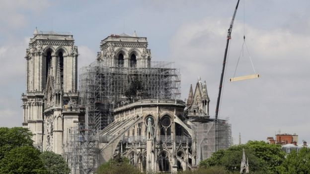 0a1a151f Notre-Dame fire: Booksellers urge Hunchback publishers to donate ...