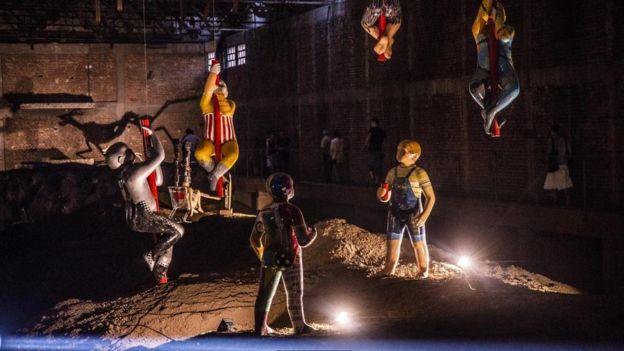 عمل فني للفنان ديجان ماركوفيتش بمصنع مهجور أصبح مركزا لفن الشارع