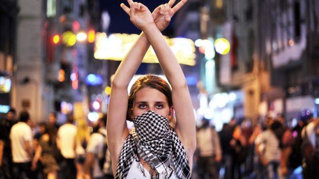 مزيد من الشباب الأتراك يهجرون الإسلام