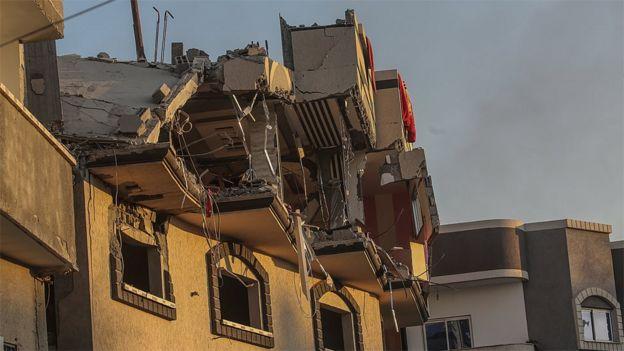 Damaged residential building in Gaza City following Israeli air strike that killed Palestinian Islamic Jihad leader Baha Abu al-Ata (12 November 2019)