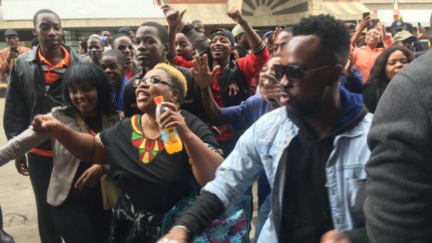 Thousands celebrate end of Mugabe era