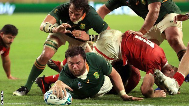 Frans Malherbe scored the 10th South Africa try