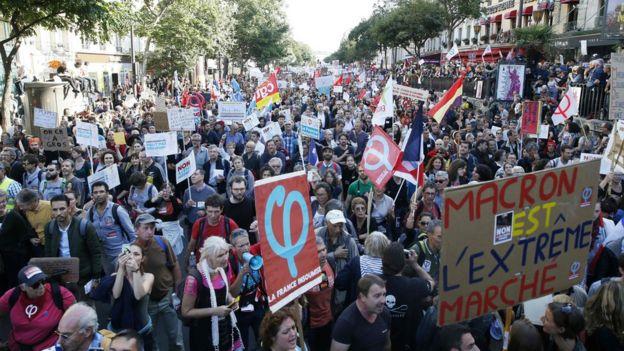 هزاران نفر در تظاهرات امروز علیه سیاستهای آقای مکرون شرکت کردند
