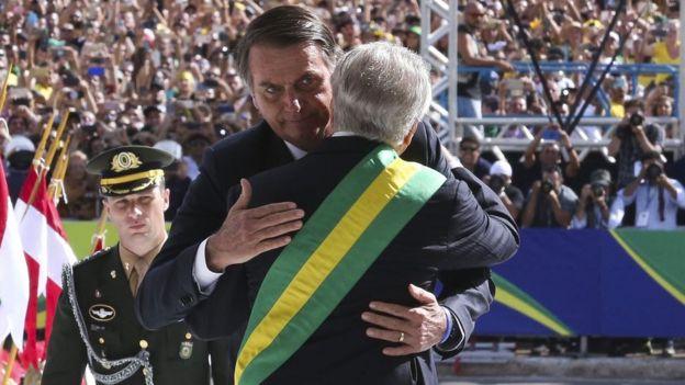 Temer cumprimenta Bolsonaro em sua posse