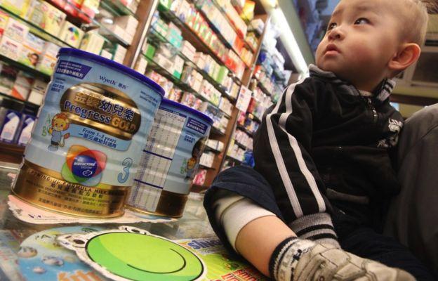 一些婴幼儿由于体质不同,会对普通奶粉过敏。(图文无关)