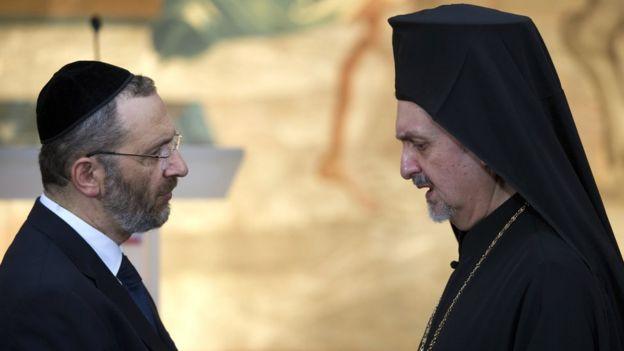 митрополит Галльський Еммануїл (зправа)
