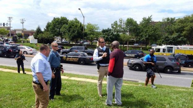 Полиция опрашивает очевидцев