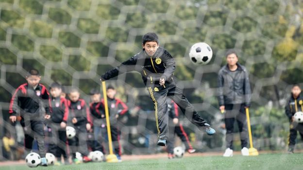 中國想要在2050年之前成為足球強國,而政府也計劃大舉投資建設足球學校