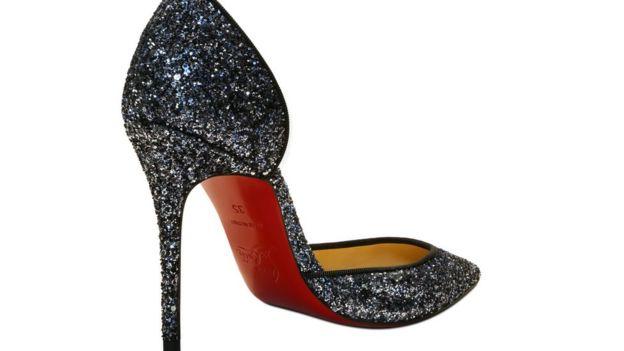 Louboutin: por qué el color rojo en la suela de los zapatos