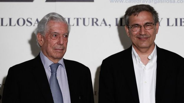 Orhan Pamuk y Mario Vargas Llosa