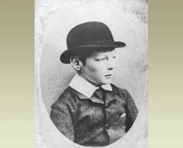 1884年,10歲的丘吉爾