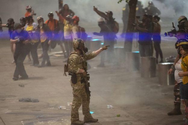 Насъемочную группу «Первого канала» вСША напали «люди вкамуфляже»