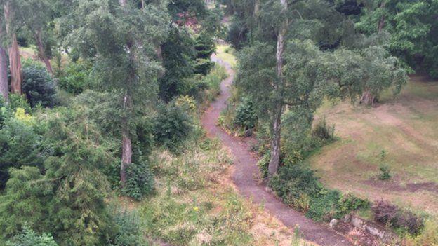 Queen's Park, Crewe