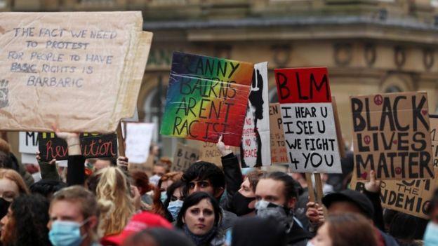 Активисты движения BLM в центре Ньюкасла