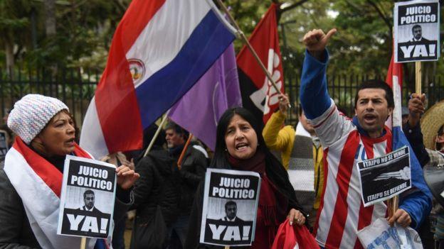 Protesta por el acuerdo sobre Itaipú.