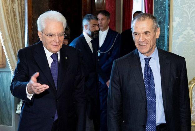 İtalya Cumhurbaşkanı Mattarella ve Carlo Cottarelli