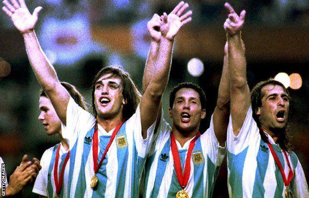 Argentina's team of 1993 celebrate Copa America success
