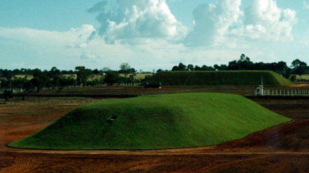 El sitio donde están enterrados los desechos contaminados del accidente de Goiânia.