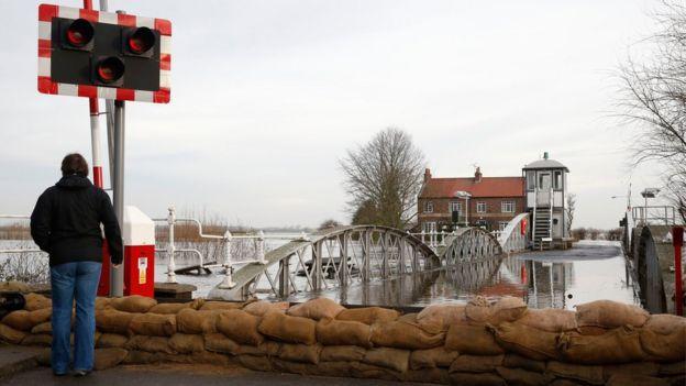 UK floods Complete rethink needed on flood defences BBC News – Flood Map York Uk