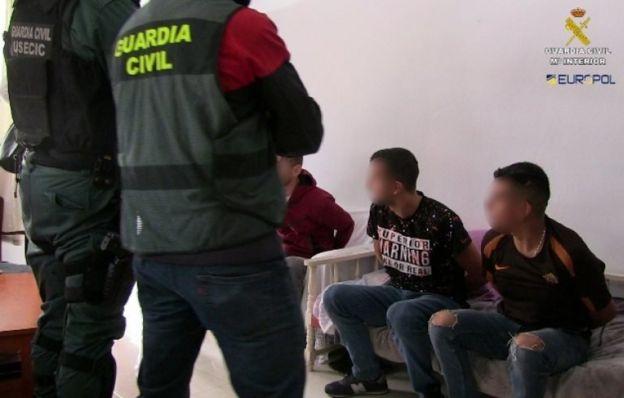 İspanya'daki baskınlarda gözaltına alınanlar
