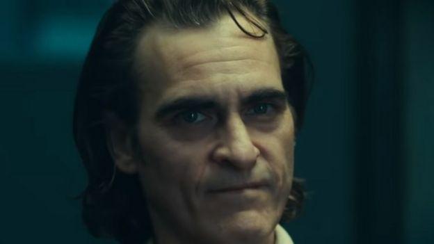 Joker Joaquin First Look At Phoenix In Latest Batman Spin