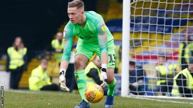 Manchester United Sign Keeper Nathan Bishop From Southend Utd Bbc Sport