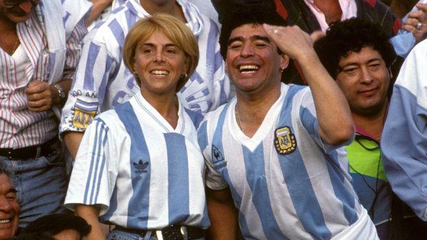 Maradona en la gradería