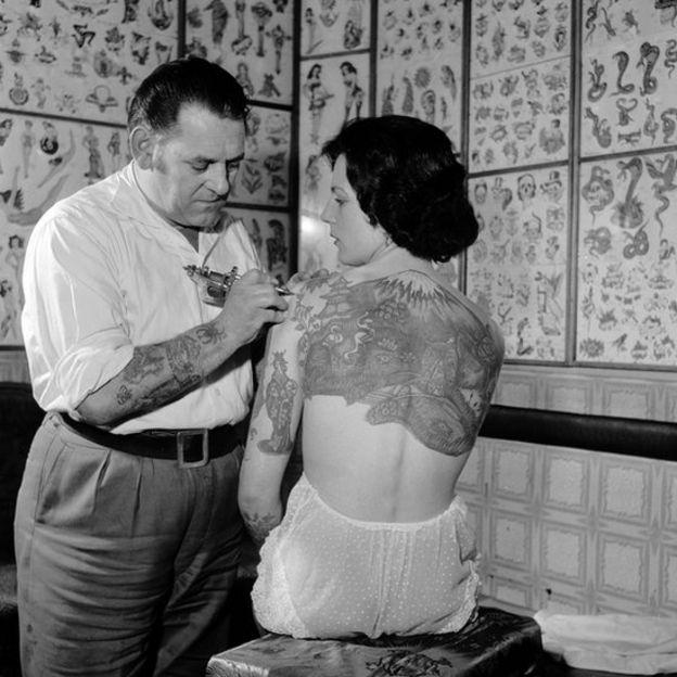 6 Cosas A Tener En Cuenta Antes De Hacerte Un Tatuaje Bbc News Mundo