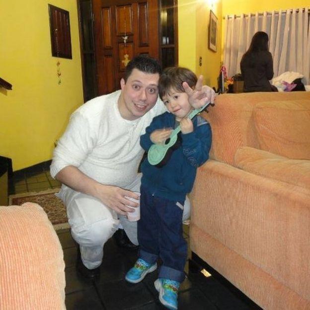 Daniel Galvão com o filho Daniel