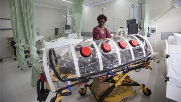 Peciente isolado em hospital