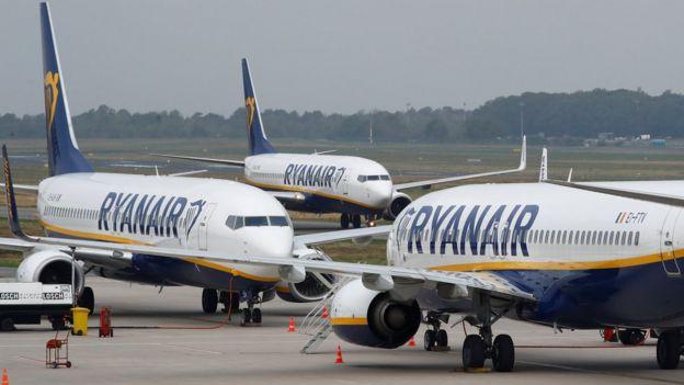 Ryanair passengers brace for new bag rules - BBC News 52f6a909fb