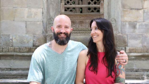 ماثيو وزوجته نويل أصبحا يملكان منزلهما الخاص