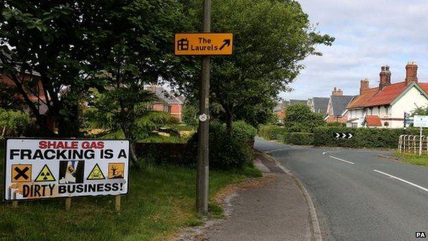 Anti-fracking signs in Little Plumpton