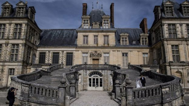 file pic Fontainebleau palace
